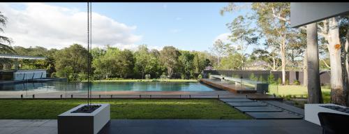 Pool-Fence-1-e1467856811295