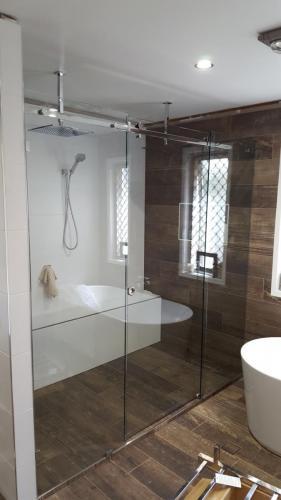 Shower-screen1-e1467859114868