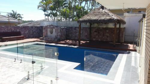 pool-fence-2-e1467856726806