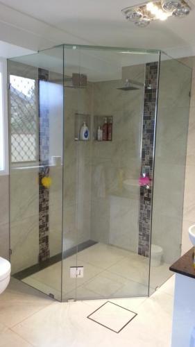 showerscreen-2-e1467859193318